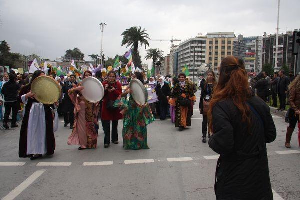 İzmir'de 8 Mart eylemi