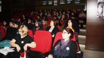 Ankara'da kadınlar 8 Mart'ta özgürlük ve barış için el eleydi!